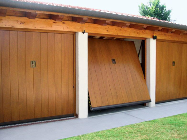 Vendita serramenti porte blindate porte interne sesto calende varese - Portoni garage con finestre ...